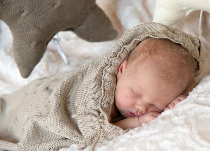 baby in Midden Beemster, newborn 001 3