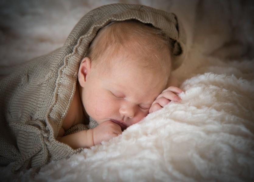 baby in Midden Beemster, newborn 004