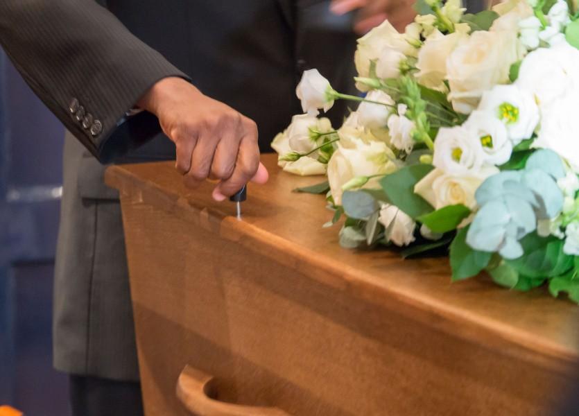 uitvaart reportage alkmaar begrafenis bedroefd